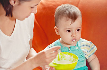 Qu'est-ce que pour nourrir le bébé après le vomissement, les ...